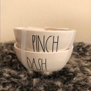 Rae Dunn Pinch & dash Ramekins